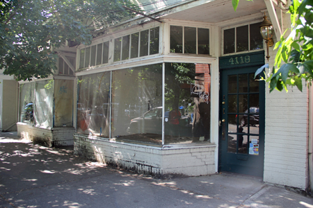 City pushes landlord to fix up Madison Street storefronts
